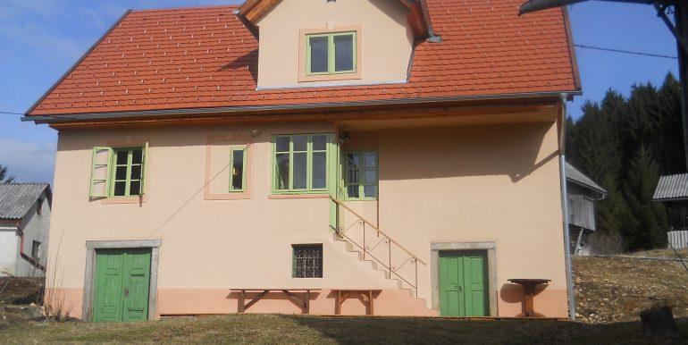 hiša2 052