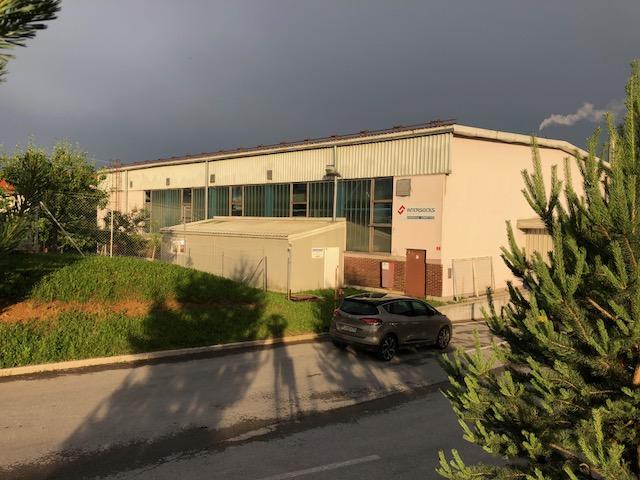 Kočevje (Trata)- poslovna stavba (industrijski del, poslovni del, parkirišča)
