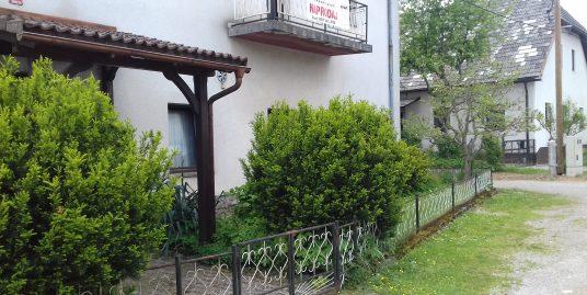 KOČEVJE (Slovenska vas)-stanovanjska hiša (dvojček)