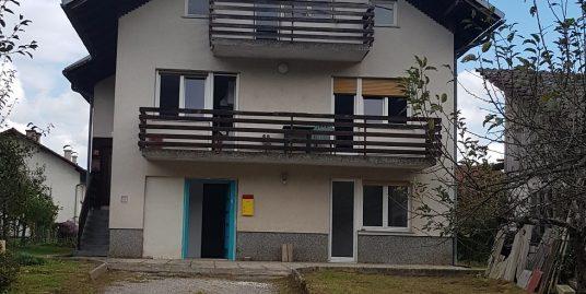 KOČEVJE (Mahovnik)-stanovanjska stavba