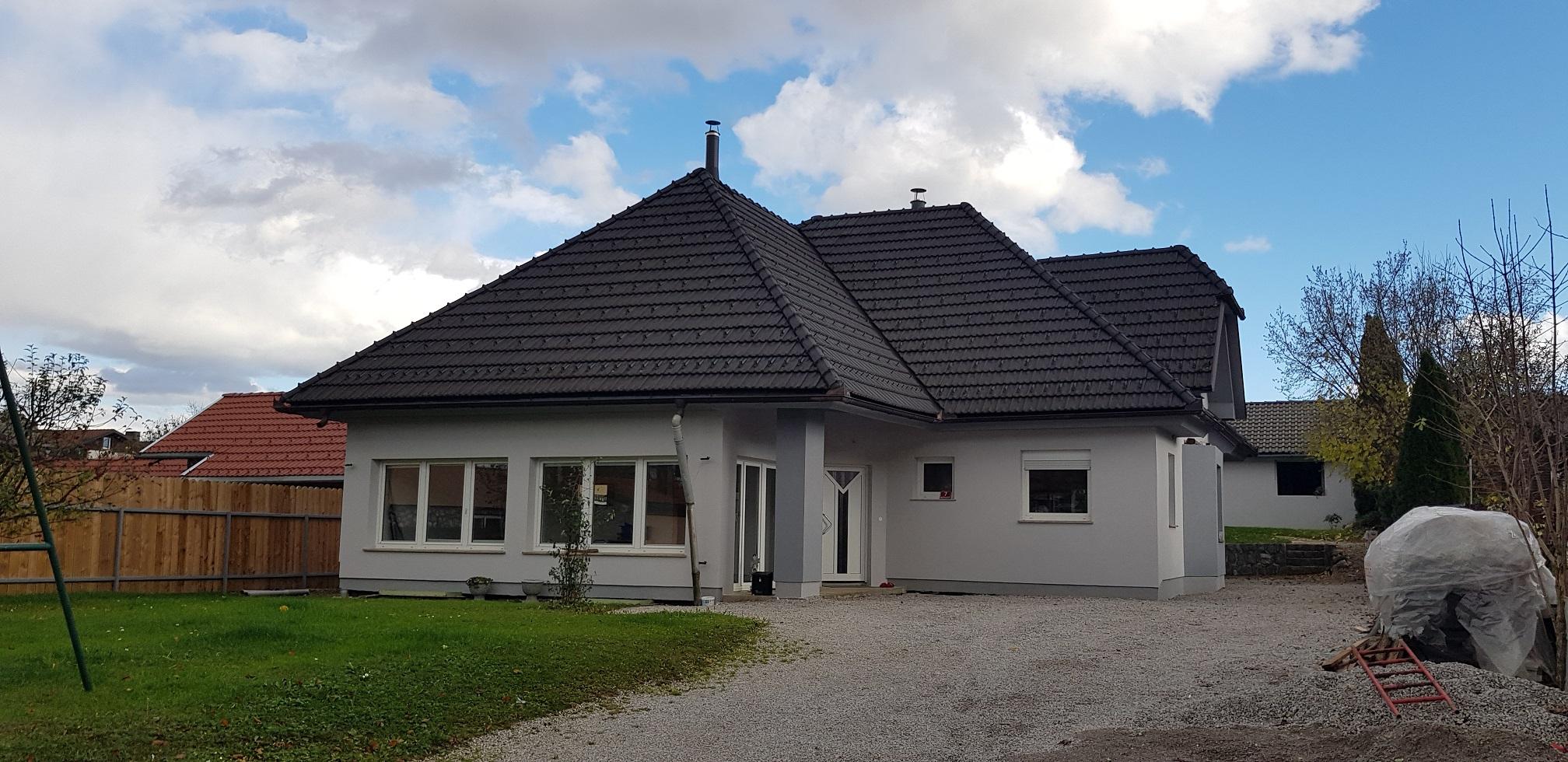 KOČEVJE (Mestni log)-stanovanjska stavba